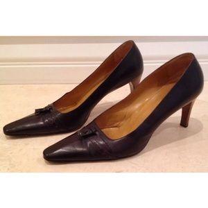 f9dc4d95969 Women s Gucci Stacked Heel on Poshmark